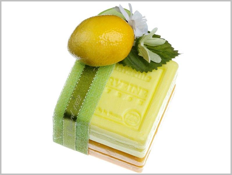 اصنعي صابون الليمون للبشرة العادية