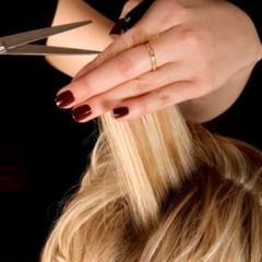 عزيزتي .. إليكِ نصائح مفيدة لعلاج تقصف الشعر