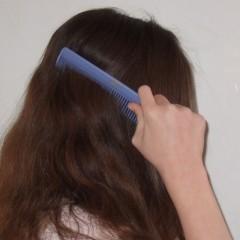 تساقط الشعر.. السبب والعلاج؟