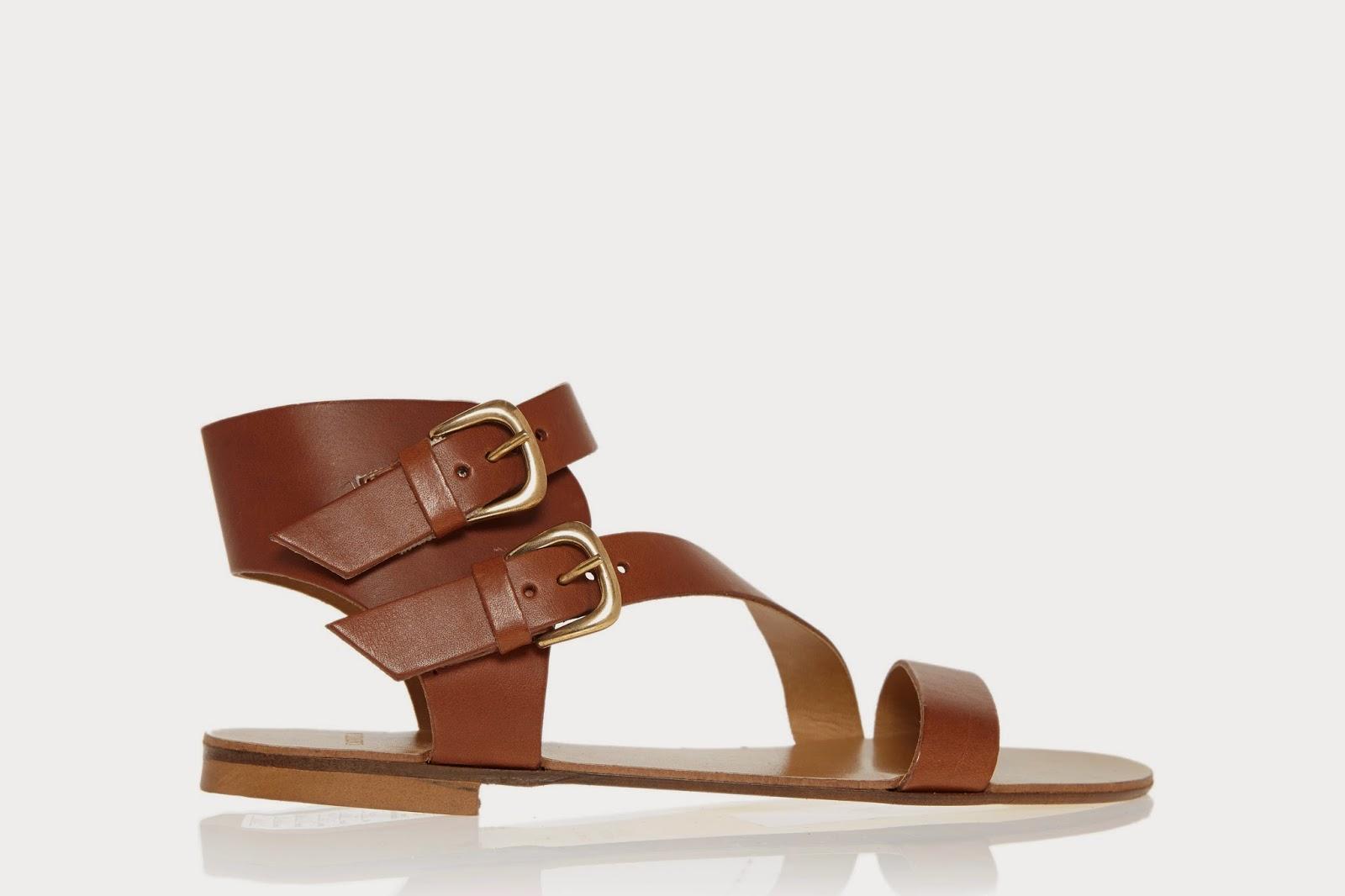 تشكيلة الصنادل من كيرت جيجر تروي قصة تاريخ الأحذية