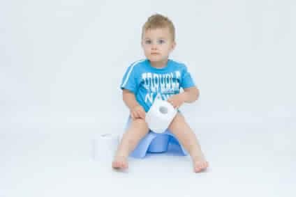متى يكون طفلكم جاهزا للتخلص من الحفاض؟