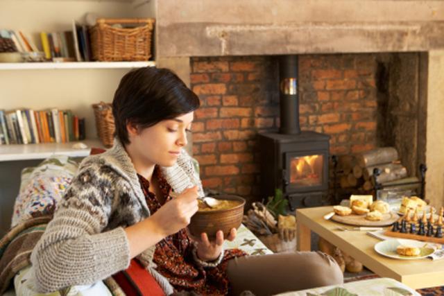 14 طريقة للسيطرة على شعورك الدائم بالجوع في الشتاء