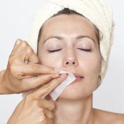 الطريقة الصحيحة لإزالة شعر فوق الشفة العيا