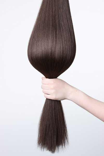 لجعل الشعر أملس بطريقة طبيعية