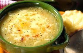 تحضير شوربة البصل بالجبن