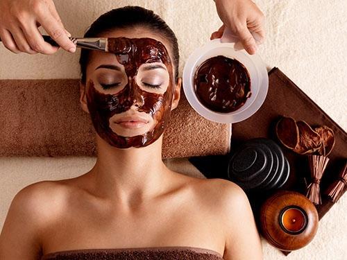 ماسك الشوكولاتة.. لجمال ونقاء بشرتكِ