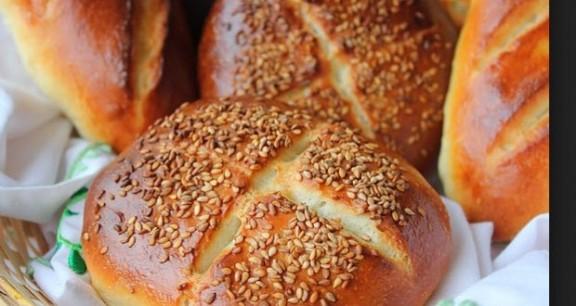 خبز بالياغورت والحليب