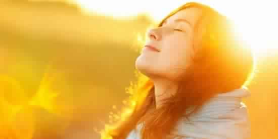 7 عبارات ردّديها.. لتعيشي السعادة