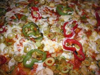 طريقة تحضير بيتزا بالخضر سهلة ومذاق رااائع
