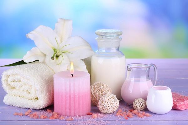 4 وسائل طبيعية فعّالة لتنظيف البشرة الدهنية