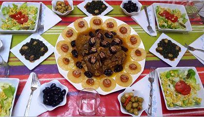 طاجين اللحم  بالبرقوق والاناناس والمشمش